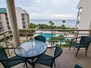Beautiful 2 Bedroom Ocean-Front Condo in Palmetto, Hilton Head