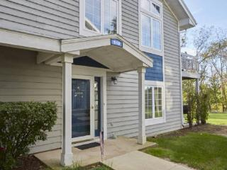 Peaceful & Charming Geneva National Condo, Lake Geneva