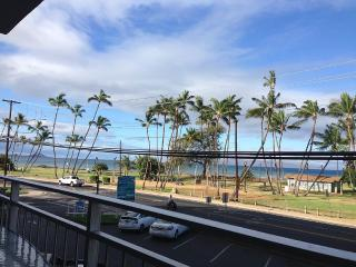 **Central AC ** 2-bed, 2-bath, 2-Balcony Oceanview, Kihei