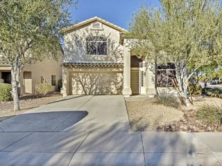 New Listing! Majestic 3BR Phoenix House w/Wifi, Loft, Gas Grill & Spacious Private Yard - Close Proximity to Lake Pleasant, Shopping Centers, Golf, Scottsdale Attractions & Sports Venues!, Cave Creek