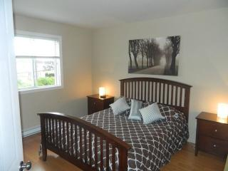 Furnished 2 bed room apart for rent minim. 30 days, Laval