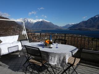 Casa Vacanze con Vista sull lago Dongo
