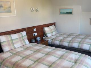 Allandale House Twin Room, Brodick