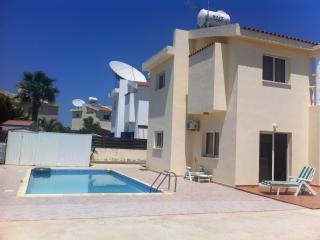 3 bedroom villa with a swimming pool, Ayia Napa