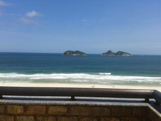 Penthouse apt in front of Barra da Tijuca Beach, Rio de Janeiro