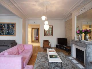 **** TURBiGO RIVOLI LUXURIOUS APPARTMENT, Paris