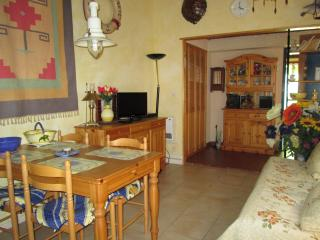 Lovely 1 Bed Holiday Home + Garden in  Cap d'Agde, Cap-d'Agde