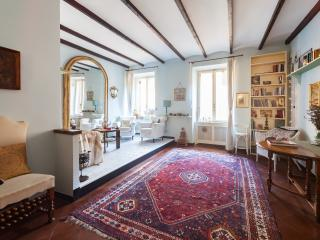 Charming Bright Trastevere Apartment