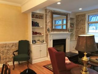 Saratoga Springs Townhouse 3 blocks from center of town!