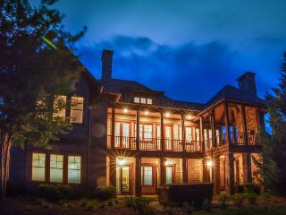 Soaring Mountain Retreat at Bright's Creek Golf and Equestrian Resort-Great View, Mill Spring