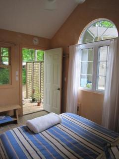 Bunkie--1 Bedroom, Double Bed