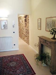 Entrance/medieval wall