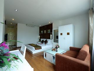 Idyllic Double Room in Hanoi