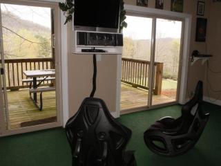 Greenview Manor- Rumbling Bald Resort