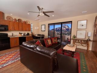Spectacular Red Rock Views in a private 2BR/2BA