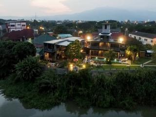Urban riverfront luxury Villa, Chiang Mai