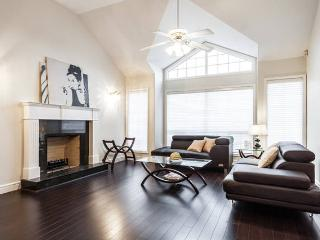 One bedroom in a newly renovated house, Richmond