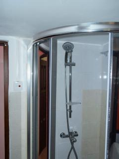 Shower Cubical with Hot/Cold water