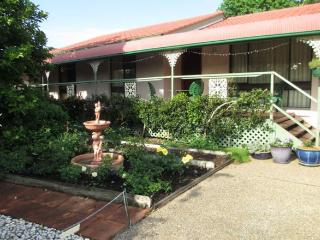 Azalea House B&B Super King/Twin Room & King Room, Bomaderry