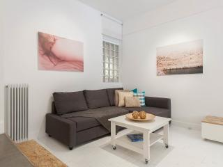 Modern apartment under Acropolis, Tavros
