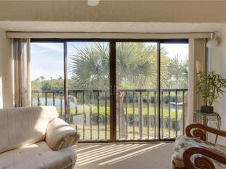 Bay Village 205, 2 Bedrooms, Elevator, Heated Pool, Tennis,Sleeps 4, Westlake