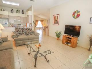 Desiree`s Cottage - Charming 3 bedroom / 2 bathroom pool home in Chatham Park