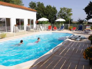 """Ecurie"" Boutillon gites 4* family accommodation, La Rochelle"