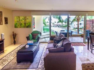 Elegant Ocean View Perfectly Situated Just Steps From Pool & Beach!, Riviera Maya