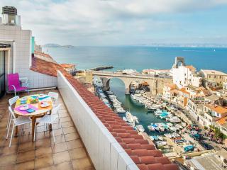 Appartement avec vue imprenable sur le petit port, Marseille