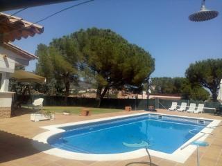 Preciosa casa con gran jardin y piscina privada, Calonge