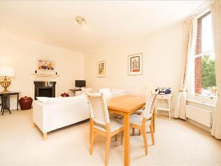 - 20% Stylish Gloucester Road Apartment, London