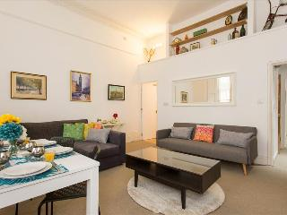 Fabulous 2 BR Apartment in Notting Hill, London