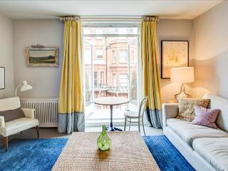 Marvellous 2BR Apt in Chelsea with Balcony, Londres