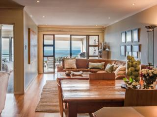 The Lookout at Whale Cove: 3-bedroom apartment with magnificent sea views