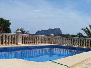 Privately owned 3 bedroom villa in quiet location, Calpe