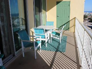 Top Floor Unit With Great View of Gulf!