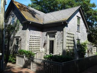 27 Milk Street, Nantucket