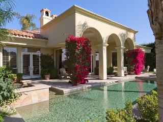 4 Bedroom Beautiful Home with Mountain Views and private pool, La Quinta