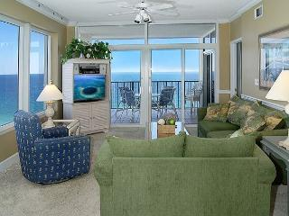 14TH FLOOR BEACHFRONT FOR 8! 10% OFF MARCH STAYS! CALL NOW!, Destin