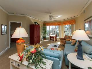 2112 Windsor Place II- Beautiful 1st Floor Villa Overlooking the Pool & Ocean, Hilton Head