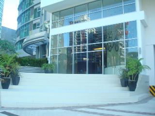Avant in the Heart of the Fort, Hotel Amenities ++, Taguig City