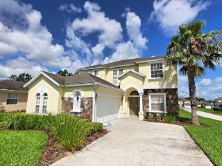 SUNSET HOUSE: Wonderful 5 Bedroom 4 Bath Pool Home with Games Room, Davenport