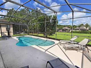 FREE POOL HEAT: Wonderful 5 Bedroom 4 Bath Pool Home with Games Room