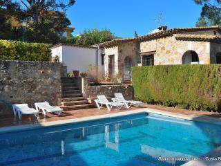 Villa Rosello, 10 persons, with pool and seaview, Sant Antoni de Calonge