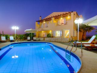Arkadi Hills Estate, A wellness sea-view mezonette, Prinos