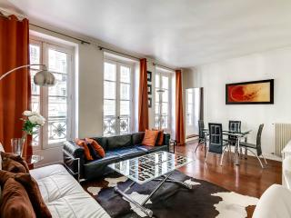 Modern 2 Bedroom Apartment in upscale Madeleine