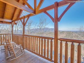 Luxurious Cabin with Views! (Sleeps 16) January Special from $159!!!, Sevierville