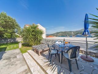 Studio Jolanda -  central location with private terrace & sea view