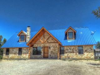 Frio River!Mountain Valley Subdivision-Great Home, Great Views, PRIVATE POOL!, Concan