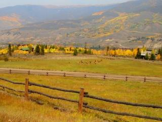 Bootlegger Lodge - 26 acres of private land, on private lake!, Silverthorne